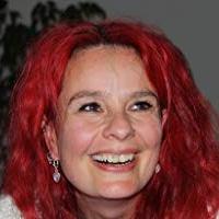 Speaker - Ava Minatti